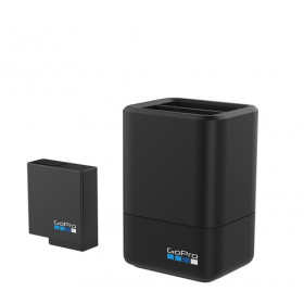 GOPRO DUAL BATTERY CHARGER + BATTERY (HE DUAL BATTERY CHARGER + BATTERY (HERO5 BLACK)  NEW